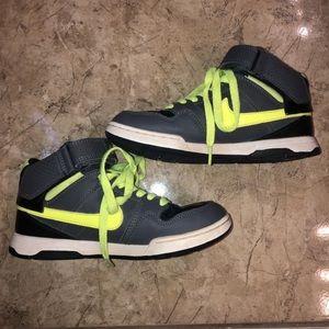 Boy's Nike High Tops, 2.5Y